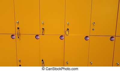 école, lentement, casiers, jaune, appareil-photo vidéo, en mouvement, 4k, closeup, long, rang
