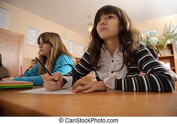 écolière, attentif