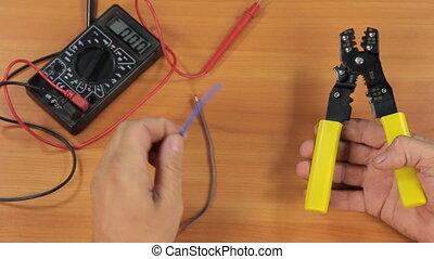 électricien, coupures, pliers., fils