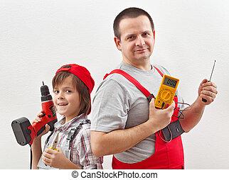 électricien, travail, père, fils, portion, prêt