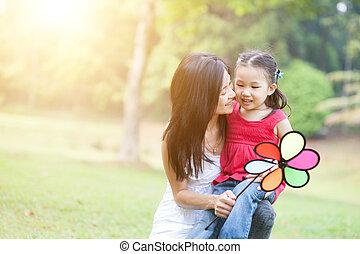 éolienne, fille, park., asiatique, jeu mère