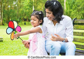 éolienne, jeu mère, fille