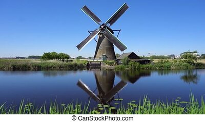 éolienne, sur, rivière, eaux, hollandais