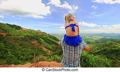 épaules, fille, tient, père, contre, vague, blonds, vallée