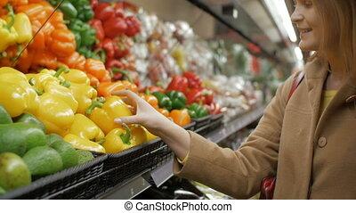 épicerie, poivres jaunes, frais, girl, achat, heureux