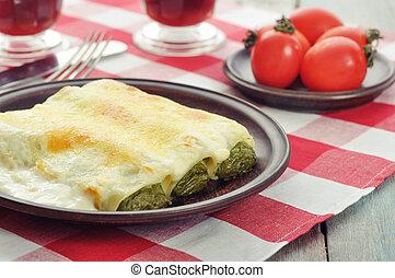 épinards, bourré, cannelloni