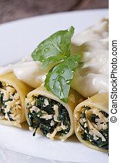 épinards, vertical, bourré, fromage, cannelloni