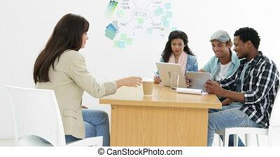 équipe, créatif, travailler ensemble, heureux