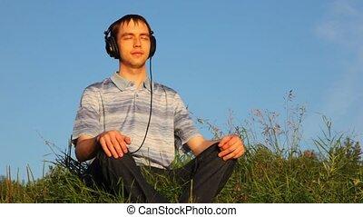 été, écoute, parc, jeune, clairière, musique, cutephone, assied, homme