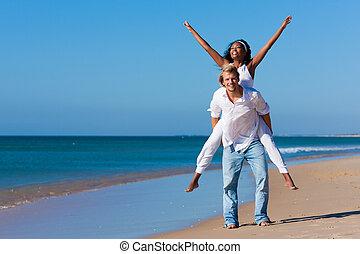 été, couple, plage, ensoleillé