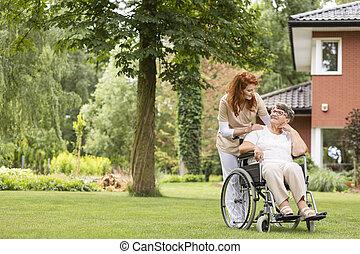 été, femme, jardin, elle, gardien, fauteuil roulant, privé, day., dehors, professionnel, pendant, personne agee