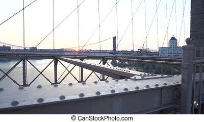 été, voitures, brooklyn, sur, gens, trafic, rivière est, non, surise, motion:, pont, dépassement, regarder, lent