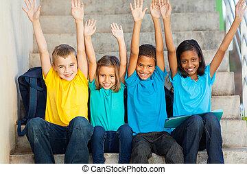 étudiants, élevé, heureux, primaire, mains
