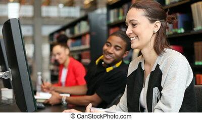 étudiants, étudier, université, ordinateurs, bibliothèque
