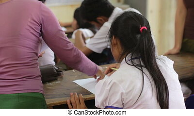 étudiants, orphelinat, ngo, école