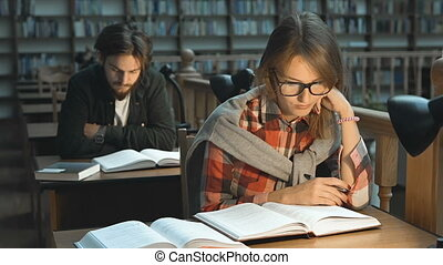 étudier, bibliothèque, plaisir