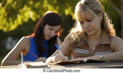 étudier, jeune, manuel, femmes