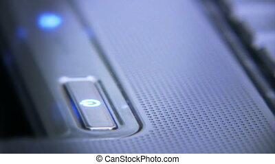 02, tourner, ordinateur portable, fermé
