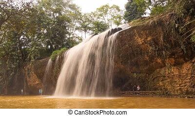 10, timelapse., lat., retained, waterfall., km, une, prenn, da, chutes d'eau, primitif, city., vietnam., région montagneuse, montagnes., sud