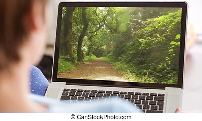 4k, ordinateur portable, forêt, utilisation, chemin, femme