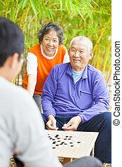 """aînés, chinois, .""""weiqi"""", gagner, panneau jeu, mâle"""