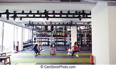 aînés, entraîneur, crise, personnel, gymnase, divers, exercices