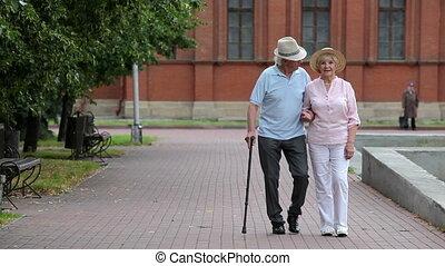 aînés, promenade