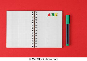 abc, lettres, cahier, arrière-plan rouge, marqueurs, coloré