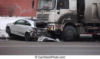 accident, route glissante