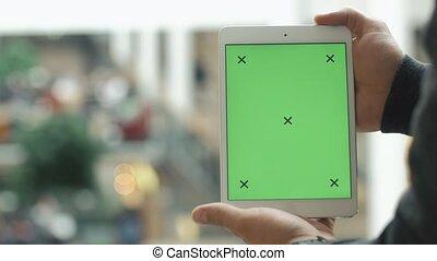 achats, tablette, écran, centre commercial, vert, mains, utilisation, mâle