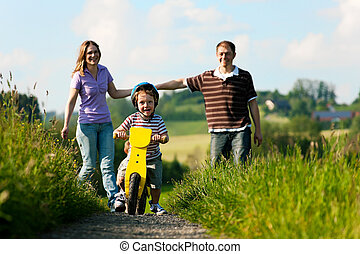 actif, été, marche, famille, aller bicyclette
