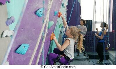 activité, girl, apprécier, peu, gymnase, escalade, artificiel, extrême, mur, varappe