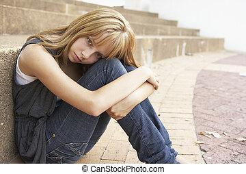 adolescent, étudiant, séance, mobile, malheureux, téléphone, dehors, collège, femme, étapes, utilisation