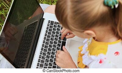 adolescent, caractères, texte, ordinateur portable, park., écolière