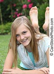 adolescent, pieds nue, insouciant, girl, heureux