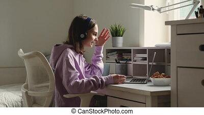 adolescente, écouteurs, conférence, ordinateur portable, porter, maison appel