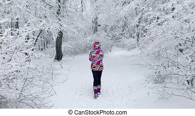 adolescente, forêt, hiver