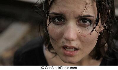 adolescente, pleurer, pluie