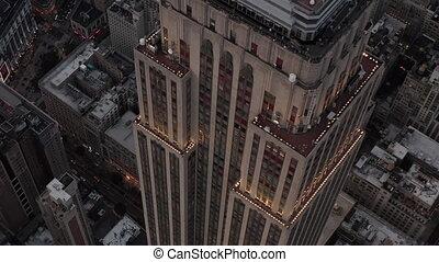 aerial:, état, empire, haut, vue, stupéfiant, lumières, bâtiment, crépuscule, fin