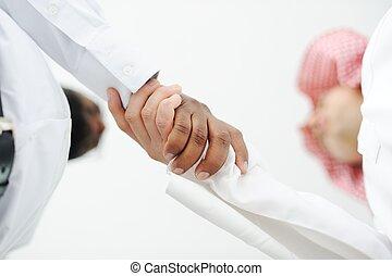 affaire, professionnels, sur, closeup, mains secouer