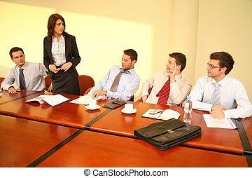 affaires femme, simple, -, patron, parole, réunion