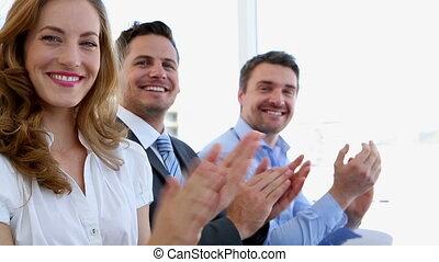 affaires gens, applaudir