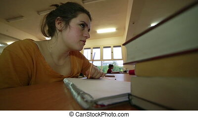 affligé, girl, bibliothèque, jeune, fonctionnement
