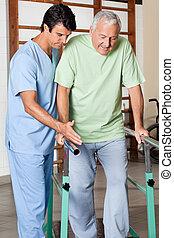 aider, soutien, barres, promenade, thérapeute, homme aîné