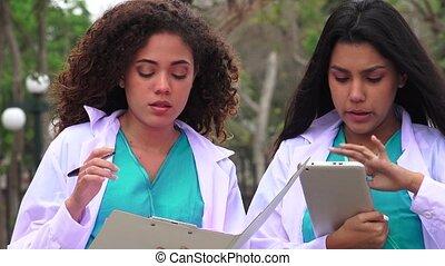 aides, étudiant médecine