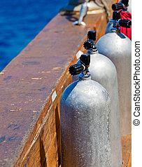 air, comprimé, réservoirs, plongée, scaphandre, bateau