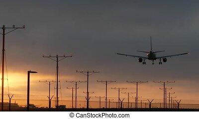 airfield., californie, ou, avion, arrivée, relâché, aéroport, avion, cargaison, dramatique, los, passager, silhouette, voler, usa., vol, international, avion, coucher soleil, cloudscape., angeles, transport, atterrissage