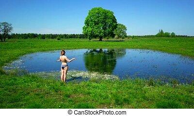 aller, baigner, femme, jeune, caucasien