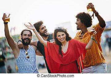 amis, amusement, ensemble, groupe, gens, heureux, avoir, dehors