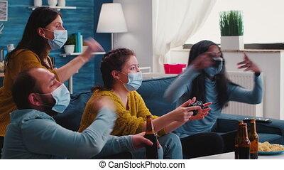 amis, contrôleurs, vidéo, tenue, jeu, masques, jouer